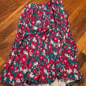 LuLaRoe Skirts - LLR M Madison skirt — POCKETS!